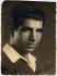 Portrait de Missak Manouchian (1906-1944), poète, journaliste, syndicaliste, résistant arménien, héros national. Mort fusillé à trente sept ans par les Allemands le 21 février 1944 (recto). © Archives Manouchian / Roger-Viollet