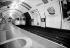 Londres (Angleterre). Le métro. Station de Waterloo. © Roger-Viollet