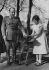 Le général Franco (1892-1975), homme d'Etat espagnol et sa fille Carmencita.  © Albert Harlingue / Roger-Viollet