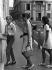La princesse Grace de Monaco (1929-1982), emmenant ses enfants, Albert et Caroline, à l'école, 1970. © Ullstein Bild / Roger-Viollet