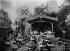 Le jardin et l'éléphant-colosse du Moulin-Rouge. Paris, vers 1900. © Roger-Viollet