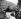 Winston Churchill (1874-1965), homme d'Etat britannique, s'exprimant devant la foule réunie sur Blythe Road lors de sa campagne électorale pour le parti conservateur. Londres (Angleterre), 23 février 1949. © PA Archive/Roger-Viollet