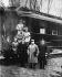 Guerre 1914-1918. Signature de l'armistice au carrefour de Rethondes, 11 novembre 1918. Devant le wagon : l'amiral Hope (Etats-Unis), le général Weygand, l'amiral Wemyss (Grande-Bretagne), le maréchal Foch et le capitaine de vaisseau V. Marriott; au second rang : le général Desticker et le capitaine de Milrry. © Albert Harlingue / Roger-Viollet