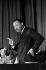 """Martin Luther King (1929-1968), pasteur américain et leader pour les droits civiques, s'exprimant lors d'une réunion publique au """"City Temple"""", église non-conformiste. Londres (Angleterre), 7 décembre 1964. © TopFoto / Roger-Viollet"""