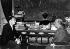 Salvador Dalí (1904-1989) artiste-peintre surréaliste et sculpteur espagnol, (à gauche) discutant avec le général Franco (1892-1975), chef d'Etat espagnol, à l'hôtel El Parrado. Madrid (Espagne), 8 juin 1956.  © TopFoto / Roger-Viollet