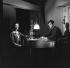 """""""Léon Morin, prêtre"""", film de Jean-Pierre Melville. Emmanuelle Riva et Jean-Paul Belmondo. France, 24 janvier 1961. © Alain Adler/Roger-Viollet"""