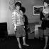 """Danielle Darrieux, actrice française, pendant le tournage des """"Lions sont lâchés"""", de Henri Verneuil. Paris, 1962. © Roger-Viollet"""