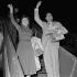 Edith Piaf (1915-1963), chanteuse française, et Jacques Pills (1906-1970), acteur et chanteur français, vers 1953. © Roger-Viollet