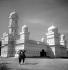 La mosquée. Bouaké (Côte-d'Ivoire). Février 1963. © Roger-Viollet