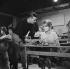 """Sophie"", sketch de Marc Allégret issu du film ""Les Parisiennes"". Marc Allégret et Catherine Deneuve. France, 1961. 3 novembre 1961. © Alain Adler / Roger-Viollet"