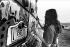 Le festival de Woodstock. Photographie de Michael Fredericks. Bethel, New York. 1969.  © Michael Fredericks / The Image Works / Roger-Viollet