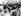 Au second plan, 2ème à gauche : le président Gamal Abdel Nasser. Au premier plan, de gauche à droite : Hocine Aït Ahmed et Ahmed Ben Bella reçevant des fleurs de jeunes membres de la République Arabe Unie. Le Caire (Egypte), 2 avril 1962. © TopFoto / Roger-Viollet