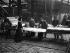 Guerre 1914-1918. Travail des femmes dans l'industrie du placage du bois. Découpage à la main des feuilles de placage. France. 1917.       © Jacques Boyer/Roger-Viollet