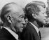 Konrad Adenauer (1876-1967), homme d'Etat allemand, et John F. Kennedy (1917-1963), homme d'Etat américain. Wahn (Allemagne de l'Ouest), 23 juin 1963. © TopFoto / Roger-Viollet