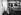 Mère et ses enfants dans la salle d'attente pour les personnes auxquelles l'entrée sur le territoire américain a été refusée. Centre fédéral d'immigration d'Ellis Island. New Jersey (Etats-Unis), 1931. © Erich Salomon / Ullstein Bild / Roger-Viollet