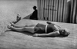 Bain de soleil. France, vers 1935. © Neurdein/Roger-Viollet