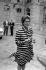 Françoise Giroud (1916-2003), secrétaire d'Etat à la Condition féminine, sortant de l'hôtel Matignon. Paris, juillet 1974. © Roger-Viollet