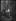 Guerre 1914-1918. Paris fête la signature de l'armistice, le 11 novembre 1918. On décolle les affiches indiquant les abris. © Excelsior - L'Equipe / Roger-Viollet