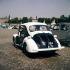 "Renault 4 CV ""Pie"" de la police parisienne, place de la Concorde. 1955-1960.    © Pierre Barbier/Roger-Viollet"
