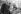 Anne Sylvestre (née en 1934), chanteuse française, chez l'éditeur Pierre Seghers (1906-1987), avec Jean Monteaux (né en 1918). 1966. © Studio Lipnitzki/Roger-Viollet