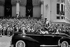 Guerre d'Algérie (1954-1962). Passage du cortège du général Charles de Gaulle, devant la grande poste. Alger (Algérie), 4 juin 1958. © Bernard Lipnitzki / Roger-Viollet