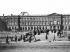 Pont des Arts et façade du Louvre. Paris (VIème arr.), vers 1865-1870. Détail d'une vue stéréoscopique. © Léon et Lévy/Roger-Viollet
