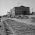 """Cannery Row (""""La Rue de la Sardine"""" de John Steinbeck) et l'ancienne gare de Monterey (Californie, Etats-Unis), 1978. © Anne Salaün / Roger-Viollet"""