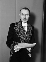 Maurice Genevoix (1890-1980), French writer, wearing the academician's uniform, 1948. © Roger-Viollet