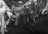 Au pavillon de la viande des Halles centrales. Paris (Ier arr.), vers 1910.      © Albert Harlingue/Roger-Viollet
