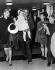 Le prince Rainier III de Monaco, la princesse Grace de Monaco et leurs enfants, Caroline, Albert et Stéphanie arrivant de Madrid, à l'aéroport de Londres (Angleterre), octobre 1968. © TopFoto / Roger-Viollet