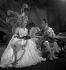 """Louis Jouvet, acteur et metteur en scène français, dans """"Supplément au voyage de Cook"""" de Jean Giraudoux. Paris, théâtre de l'Athénée, novembre 1935. © Boris Lipnitzki / Roger-Viollet"""