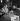 Jeunes femmes dans un bar. Paris, 1937-1938. © Gaston Paris / Roger-Viollet