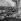 Edith Piaf dans le jardin de sa maison où elle vivait avec son mari Jacques Pills en 1953-1954. © Studio Lipnitzki / Roger-Viollet