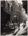 Boulevard Auguste Blanqui. Paris (XIIIème arr.), début des années 1950. Photographie d'Edith Gérin (1910-1997). Gélatino-bromure sur papier plastique. Paris, musée Carnavalet. © Edith Gérin / Musée Carnavalet / Roger-Viollet