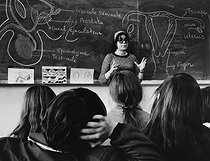 Instructor from the family planning giving a sex education lesson in a school in the suburbs of Paris, 1973. Photograph by Janine Niepce (1921-2007). © Janine Niepce / Roger-Viollet