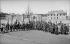 La sortie de l'école des garçons. Ris-Orangis (Essonne), années 1900.      © CAP/Roger-Viollet