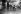 Jean Giraudoux (1882-1944), écrivain et diplomate français, à droite. © Roger-Viollet