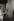 Melina Mercouri (1925-1994), actrice et femme politique grecque, avec le buste de Thucydide au musée du Louvre. Paris, 1960. © Jean Mounicq / Roger-Viollet