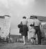 Famille. France, vers 1945. © Gaston Paris / Roger-Viollet
