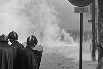 """Events of May-June 1968. Student demonstration in the Latin Quarter. Paris (Vth arrondissement), on May 6, 1968. Photograph by Jacques Boissay and Bernard Charlet, from the collections of the French newspaper """"France-Soir"""". Bibliothèque historique de la Ville de Paris. © Boissay,Charlet / Fonds France-Soir / BHVP / Roger-Viollet"""