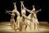 """""""Toki"""", danse buto. Chorégraphie : Ushio Amagatsu. Musique : Takashi Kako. Paris, théâtre de la Ville, 14 décembre 2005. © Colette Masson/Roger-Viollet"""