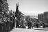 Guerre d'Algérie (1954-1962). Le général Charles de Gaulle accompagné du général Raoul Salan, montant vers le Gouvernement général. Alger (Algérie), 4 juin 1958. © Bernard Lipnitzki / Roger-Viollet
