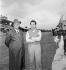 Enzo Ferrari (1898-1988), pilote automobile et industriel italien, et Umberto Maglioli (1928-1999), pilote automobile italien. © Alinari / Roger-Viollet