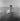 Edith Piaf (1915-1963), chanteuse française, apprenant à nager. Le Touquet-Paris-Plage (Pas-de-Calais), 15 août 1947. Photographie de Roger Berson. © Roger Berson / Roger-Viollet