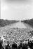 Marche pour les droits civiques. Vue depuis les marches du Lincoln Memorial : les marcheurs, le bassin, le Washington Monument et le Capitole. Washington D.C. (Etats-Unis), 28 août 1963. © 1963 Ivan Massar/Take Stock