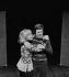 Sophie Daumier (1934-2004) et Guy Bedos (né en 1934), acteurs français. Paris, théâtre de la ville, décembre 1972. © Studio Lipnitzki / Roger-Viollet