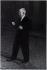 """Jean Renoir (1894-1979), réalisateur français, sur le tournage de """"French Cancan"""" en 1954. Photographie de Jean Marquis (né en 1926). Bibliothèque historique de la Ville de Paris. © Jean Marquis / BHVP / Roger-Viollet"""