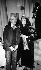Andy Warhol (1928-1987), artiste et cinéaste américain, et Claude Artaud. © Jack Nisberg / Roger-Viollet