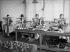 Guerre 1914-1918. Travail des femmes. Fabrication des instruments d'optique. Machine à graver. 1917. © Jacques Boyer/Roger-Viollet