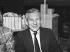 Jean d'Ormesson (1925-2017), écrivain français. Vente du Pen-Club. France, décembre 1986. © Roger-Viollet
